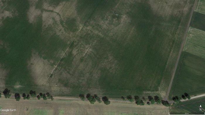 Rondel w m. Tylice widoczny na ortofotomapie (oprac. M. Sosnowski, źródło Google Earth).