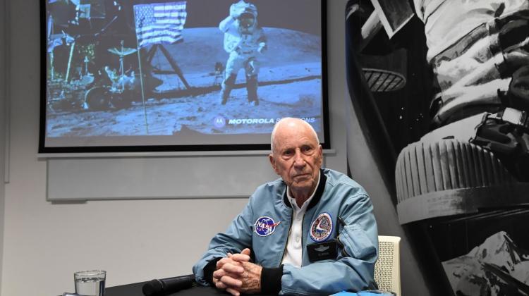 Amerykański astronauta, płk Alfred Worden. Fot. PAP/Jacek Bednarczyk 02.09.2019